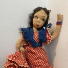 Muñeca española clasica: MUÑECA DE LOS AÑOS 40, CON TRAJE DE FARALAES - REALIZADA EN FIELTRO, MUY INTERESANTE, VER FOTOS, M. Lote 199329912