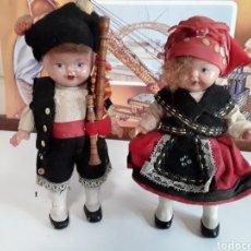 Muñeca española clasica: PAREJA DE ASTURIANOS O GALLEGOS EN CELULOIDE AÑOS 50. Lote 203579847