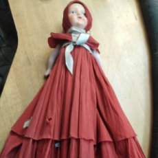 Muñeca española clasica: ANTIGUA MUÑECA DE TERRACOTA CON VESTIDO DE PAPEL ORIGINAL. Lote 203814486