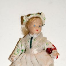 Muñeca española clasica: ANTIGUA MUÑECA EN PORCELANA. Lote 204429310