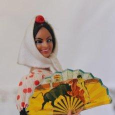 Muñeca española clasica: ANTIGUA FIGURA MUÑECA SEVILLANA CON ABANICO DE TOROS MARCA MARIN CHICLANA 19 CM. Lote 243876670