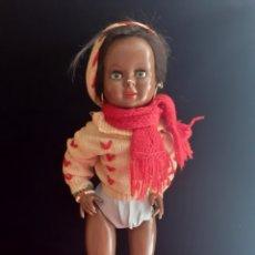 Boneca espanhola clássica: ANTIGUA MUÑECA PIEDRA DE CARTON . LOS DEDOS ESTAN GASTADOS .VER FOTOS. Lote 211763121