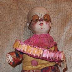 Muñeca española clasica: PAYASO AUTÓMATA DE COMPOSICIÓN Y MADERA,AÑOS 50. Lote 212629120