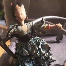 Muñeca española clasica: MUÑECA AÑOS 60, DE ALHAMBRE Y TELA. LAYNA MADE IN SPAIN. 22X16 CM. Lote 213592378