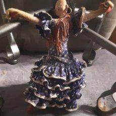 Muñeca española clasica: MUÑECA AÑOS 60, DE ALHAMBRE Y TELA. LAYNA MADE IN SPAIN.20X15 CM. Lote 213592393