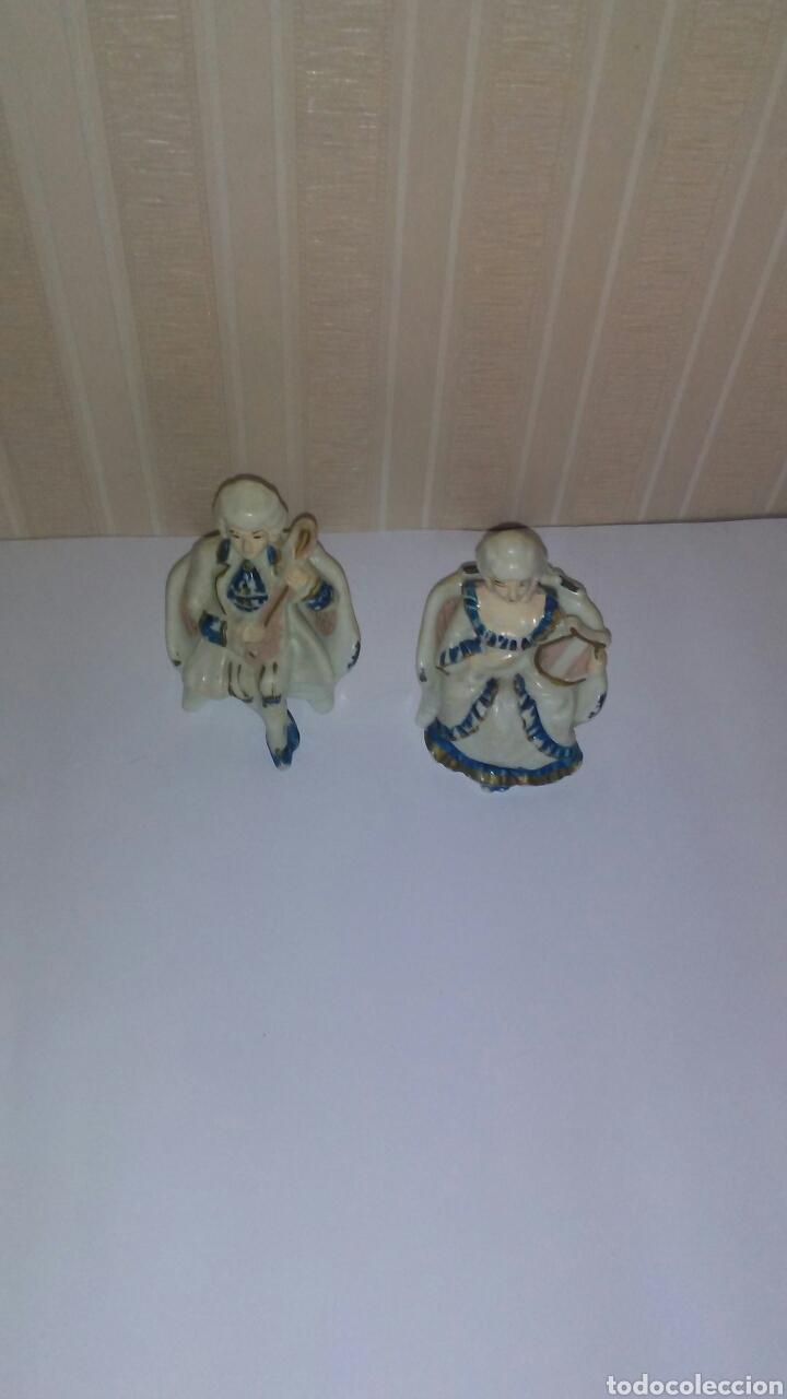 Muñeca española clasica: Lote de muñecos tipo princesas antiguas ,son de celuloide ,miden sobre 11 cent,años 60,desmontables - Foto 2 - 215619048