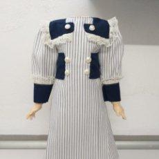Muñeca española clasica: PRECIOSO VESTIDO ESTILO MARINERO PARA MUÑECA ANTIGUA. Lote 216452541
