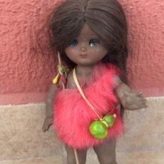 Muñeca española clasica: LINDA PIRULA NEGRITA NEGRA CON TRAJE TIPO PLUMAS MUY RARA. Lote 218143072