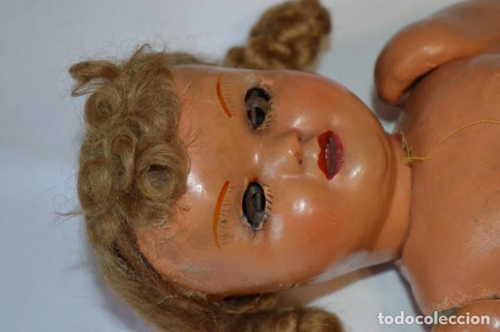 Muñeca española clasica: Antigua muñeca de CARTÓN PIEDRA / Sobre 37 Cm. de longitud - Para PIEZAS/RESTAURACIÓN - ¡Mira fotos! - Foto 6 - 218189660