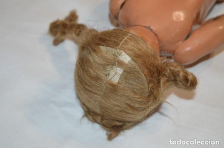 Muñeca española clasica: Antigua muñeca de CARTÓN PIEDRA / Sobre 37 Cm. de longitud - Para PIEZAS/RESTAURACIÓN - ¡Mira fotos! - Foto 14 - 218189660