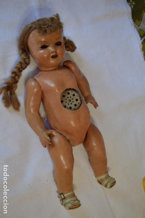 Muñeca española clasica: Antigua muñeca de CARTÓN PIEDRA / Sobre 37 Cm. de longitud - Para PIEZAS/RESTAURACIÓN - ¡Mira fotos! - Foto 2 - 218189660