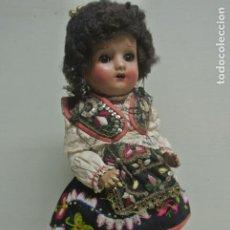Muñeca española clasica: ANTIGUA MUÑECA CON TRAJE TIPICO, REGIONAL. Lote 221966153