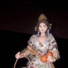 Muñeca española clasica: PRECIOSA MUÑECA FALLERA VALENCIANA EN FIELTRO Y ALAMBRE AÑOS 50. Lote 222228681