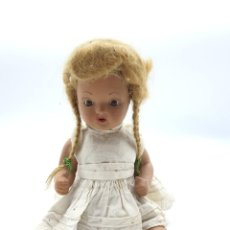 Muñeca española clasica: MUÑECA PORCELANA ( OJOS MOVIBLES ) ALTO 25 CM. Lote 222234136