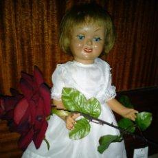 Muñeca española clasica: ANTIGUA MUÑECA DE CARTÓN-PIEDRA AÑOS 40-50. Lote 223638820