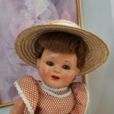 Muñeca española clasica: PRECIOSA MUÑECA ESPAÑOLA, AÑOS 50, CARTÓN PIEDRA. Lote 225589297