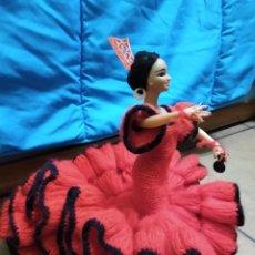 Muñeca española clasica: PRECIOSA MUÑECA FLAMENCA O SEVILLANA CON FANTÁSTICO TRAJE ARTESANAL VOLANTES. Lote 230653865