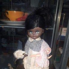 Muñeca española clasica: PRECIOSA MUÑECA LINDA PIRULA NEGRA CON BEBE Y ETIQUETA LEER DESCRIPCIÓN. Lote 231052030