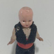 Muñeca española clasica: MUNECO MINIATURA ANTIGUA. Lote 235158895