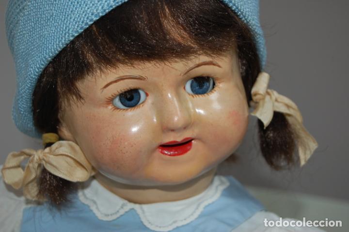 Muñeca española clasica: muñeca de composición con cubo y pala de lata - Foto 2 - 238397830