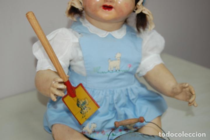 Muñeca española clasica: muñeca de composición con cubo y pala de lata - Foto 3 - 238397830