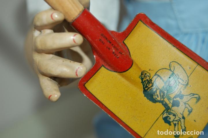 Muñeca española clasica: muñeca de composición con cubo y pala de lata - Foto 10 - 238397830