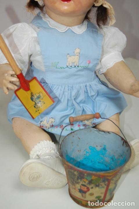 Muñeca española clasica: muñeca de composición con cubo y pala de lata - Foto 11 - 238397830
