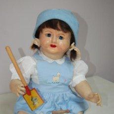 Muñeca española clasica: MUÑECA DE COMPOSICIÓN CON CUBO Y PALA DE LATA. Lote 238397830
