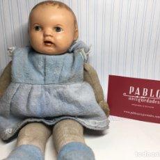 Bambola spagnola classica: MUÑECA ANTIGUA MARCA SV ? SELLO EN NUCA, PINTADA A MANO CON CUERPO EN TELA. Lote 238464310