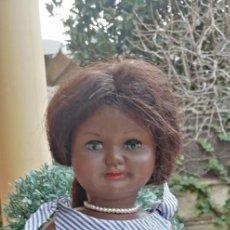 Muñeca española clasica: .MUÑECA SILVANA NEGRITA DE INDUSTRIAS VIVEBI 1950 MARCADA EN NUCA CARTON PIEDRA. Lote 239549030