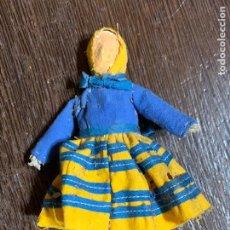 Muñeca española clasica: ANTIGUO MUÑECO TIPO CAPIPOTA, EN MADERA Y ESTUCO. VESTIDERO. PIEZA UNICA. DE MUSEO. Lote 240723370