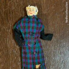Muñeca española clasica: ANTIGUO MUÑECO TIPO CAPIPOTA, EN MADERA Y ESTUCO. VESTIDERO. PIEZA UNICA. DE MUSEO. Lote 240725645