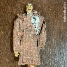 Muñeca española clasica: ANTIGUO MUÑECO TIPO CAPIPOTA, EN MADERA Y ESTUCO. VESTIDERO. PIEZA UNICA. DE MUSEO. Lote 240726225