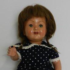 Muñeca española clasica: ANTIGUA MUÑECA ESPAÑOLA DE LOS AÑOS 50, -CABELLO ORELLANA CON EL NÚMERO 5 EN LA NUCA - REALIZADA EN. Lote 241135080