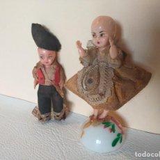 Muñeca española clasica: MUY ANTIGUA PAREJA DE MUÑECOS REGIONALES CELULOIDE. Lote 241820375