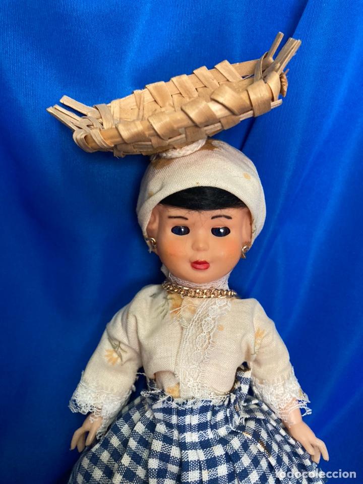 Muñeca española clasica: Muñeca sardinera del norte, de celuloide, ojos durmientes, antigua. - Foto 2 - 244684930