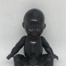 Muñeca española clasica: ANTIGUO MUÑECO NEGRO FABRICADO EN CELULOIDE MIDE 16 CMTS. Lote 254700220