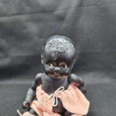 Muñeca española clasica: MUÑECO BEBE NEGRITO DE CARTON PIEDRA. Lote 262783295