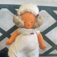 Muñeca española clasica: ANTIGUA MUÑECA PELO NATURAL FIELTRO VESTIDO SEDA CAPOTA RASGO ORIENTAL PUNTILLA. Lote 263693410