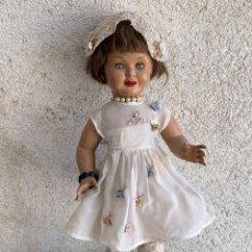 Muñeca española clasica: CHELITO MUÑECA CELULOIDE CABEZA CUERPO COMPOSICIÓN OJO DURMIENTE PELO NATURAL MARCADA ROPA AÑOS 50. Lote 268912894