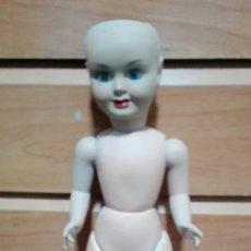 Muñeca española clasica: MUÑECA DE COMPOSICIONES Y CABEZA DE CELULOIDE CON INICIALES EN LA NUCA. Lote 270587018