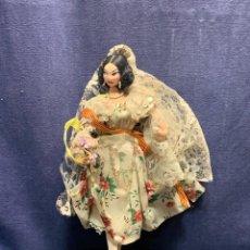 Muñeca española clasica: MUÑECA FALLERA TELA VALENCIA VESTIDO FLORES ENCAJE 29X14CMS. Lote 273967983