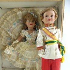 Muñeca española clasica: PAREJA DE DOS ANTIGUAS MUÑECAS CHELITO FRANCISCO JOSE EN CAJA DE CARTON FAMOSA NORA. Lote 275730713