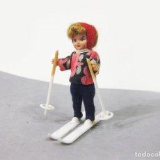 Muñeca española clasica: MUÑECA PONYTAIL DE PLASTICO DURO ESQUIADORA. Lote 279406908