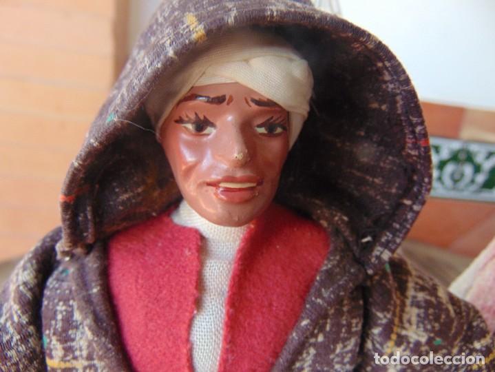 Muñeca española clasica: PAREJA DE MUÑECOS CON NIÑO A LA ESPALDA EN ESTUCO ,ALAMBRE Y TRAPO ,PINTADOS AL OLEO INDIOS ?? - Foto 2 - 279446698