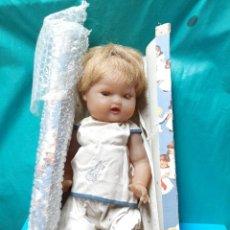 Muñeca española clasica: MUÑECO CARLITOS AÑOS 60 EN SU CAJA ORIGINAL, CREACIONES RODEZ. Lote 279474688