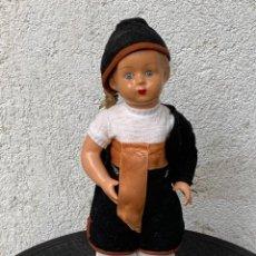 Muñeca española clasica: MUÑECO OJOS VIDRIO PINTADO MANO GALICIA GALLEGO REGIONAL VESTIDO FOLCLORE 31X12X8CMS. Lote 287554753