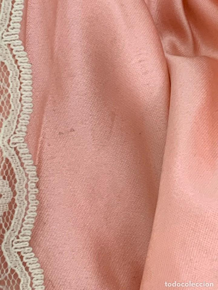 Muñeca española clasica: MUÑECA PORCELANA VESTIDO EPOCA SEDA ROSA ENCAJE PUNTILLA OJOS VIDRIO PINTADA MANO 47X17X10CMS - Foto 31 - 287558983