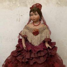 Muñeca española clasica: MUÑECA PORCELANA MARCA MENTA Y CANELA MEDINA REF 5160 BAILAORA PEINETA PINTADA MANO 53X22X11CMS. Lote 287656273