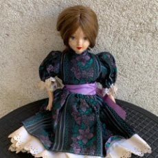 Muñeca española clasica: MUÑECA PORCELANA PINTADA MANO SIN MARCA OJOS PINTADOS 38X16X8CMS. Lote 287683228